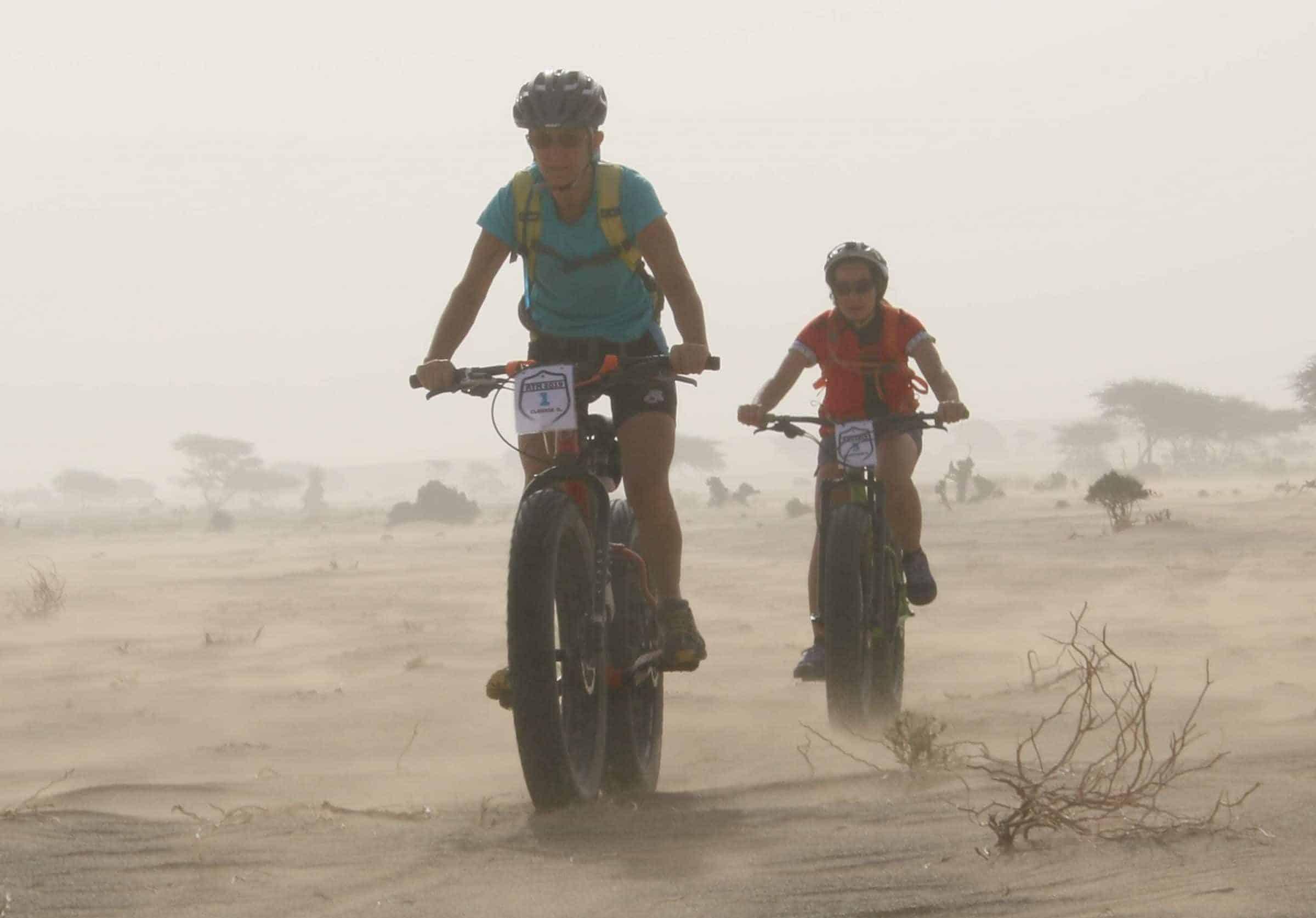 fatbike-equipe-feminine-desert-vent-sabl